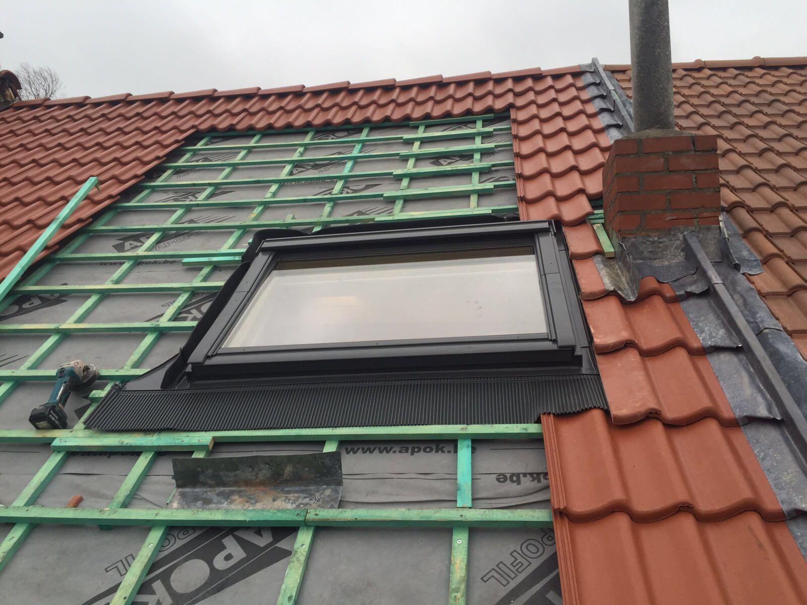 fenetre toiture free fenetre de toit velux et couloir en. Black Bedroom Furniture Sets. Home Design Ideas